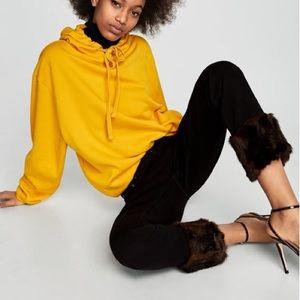 Zara black vintage high rise jeans w/ fur cuffs